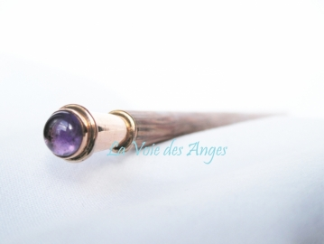 Magic Wand with amethyst